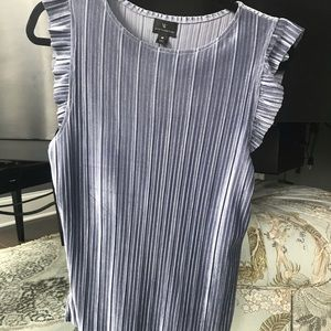 Blue/gray top